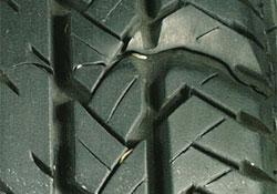 Tire tread splice