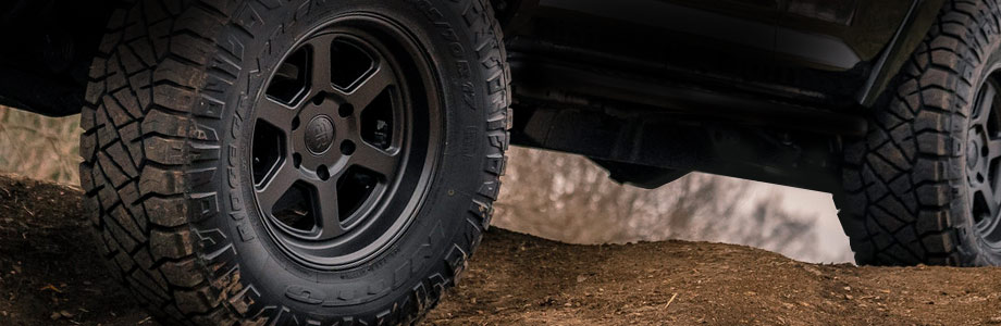 2021 Ford Bronco tires